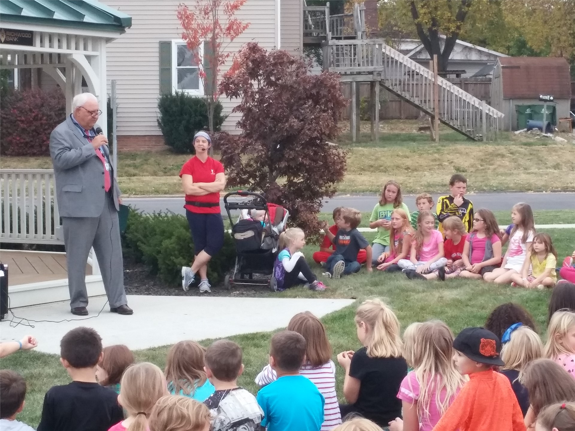 Mayor John Gore proclaiming that October 22nd, 2015 is Lights On After School Day in Marysville